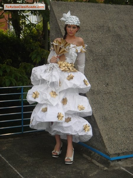 Disfraces ecologicos vestidos princesa con material for Sanitarios bellavista modelos antiguos